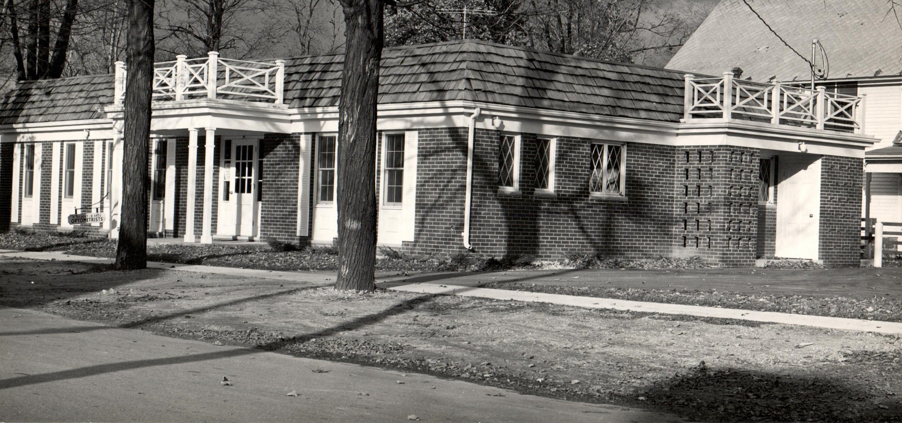 The Owosso office of Drs Gilbert and Hass 1965